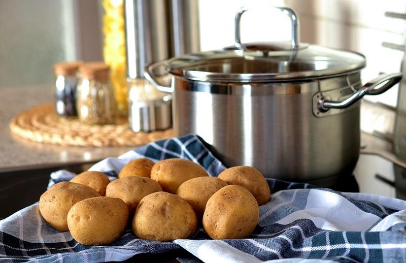 Sałatki i surówki z ziemniaków